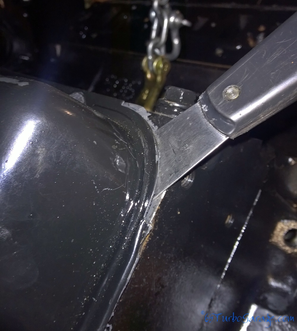 Scraper under valve cover start